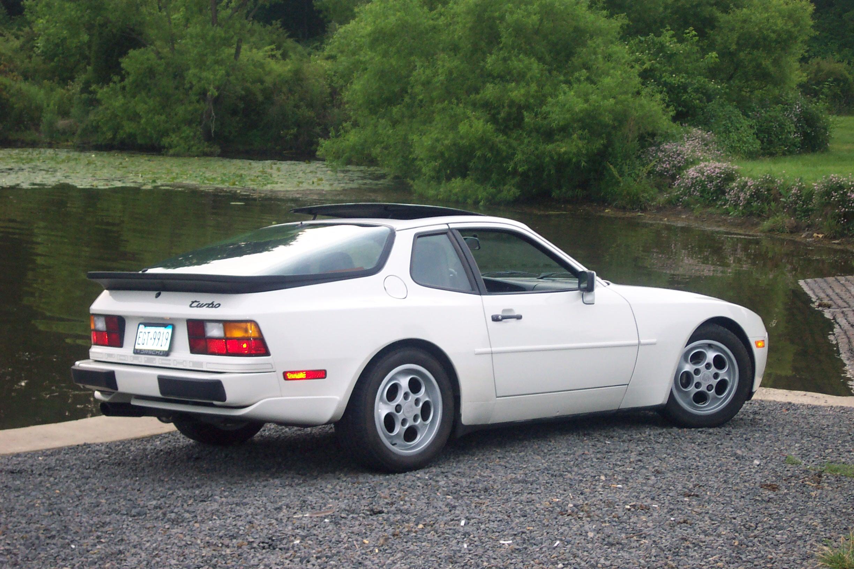 1987_Porsche_944_Turbo.JPG