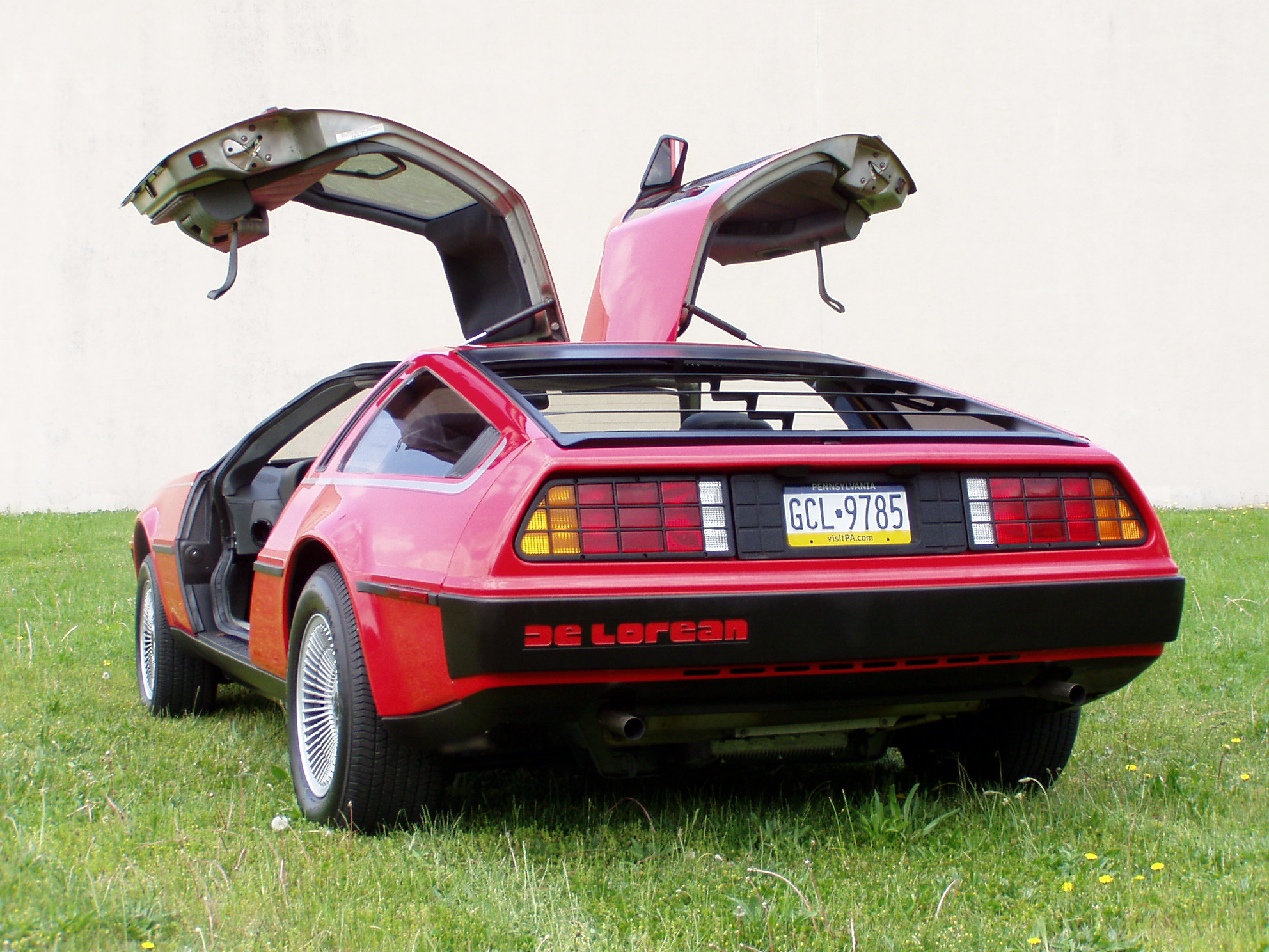 delorean-2.jpg